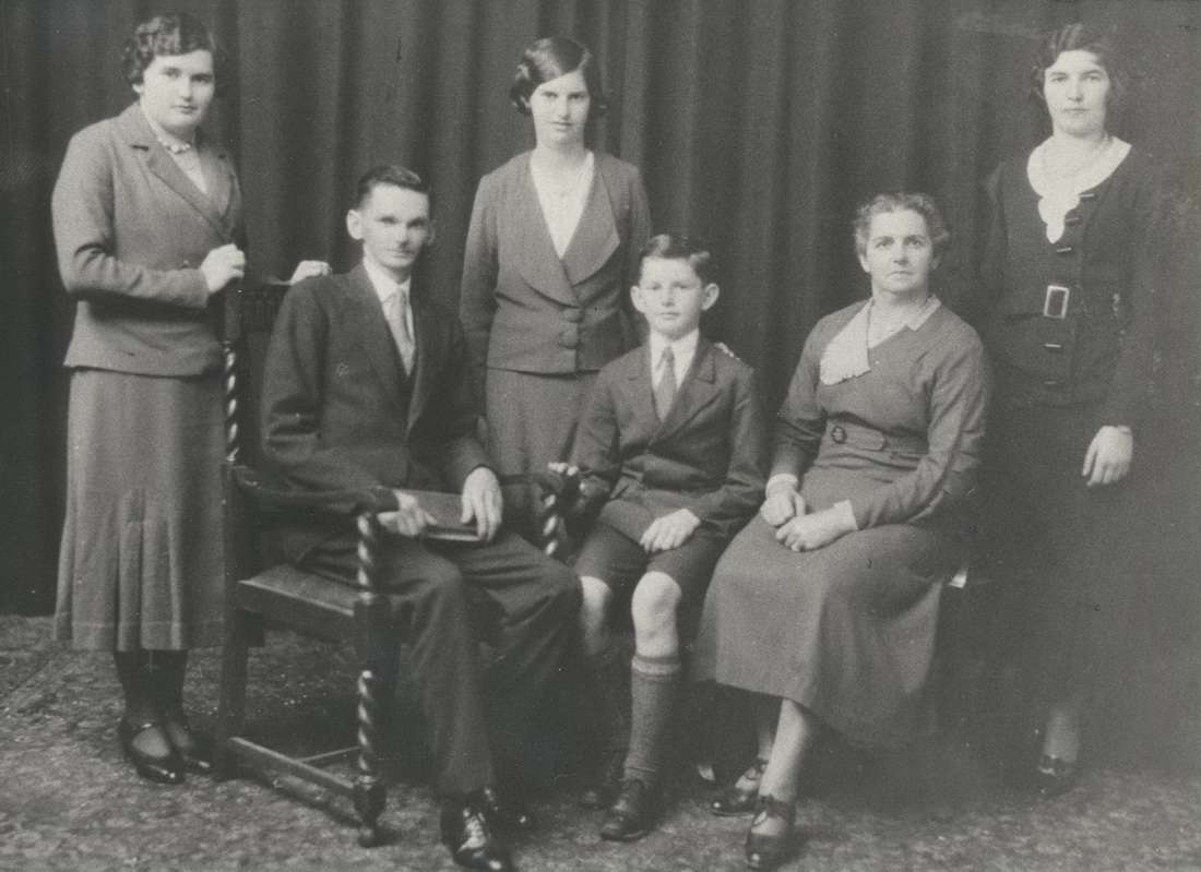 from left: Viva, Herbert, Nancy, Keith, Ada, Evelyn